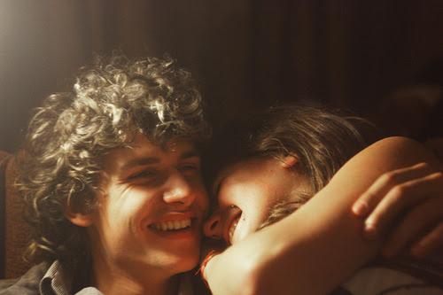 E eu continuo acreditando que tudo sem você é distração e tudo com você é vida.  Tati Bernardi.