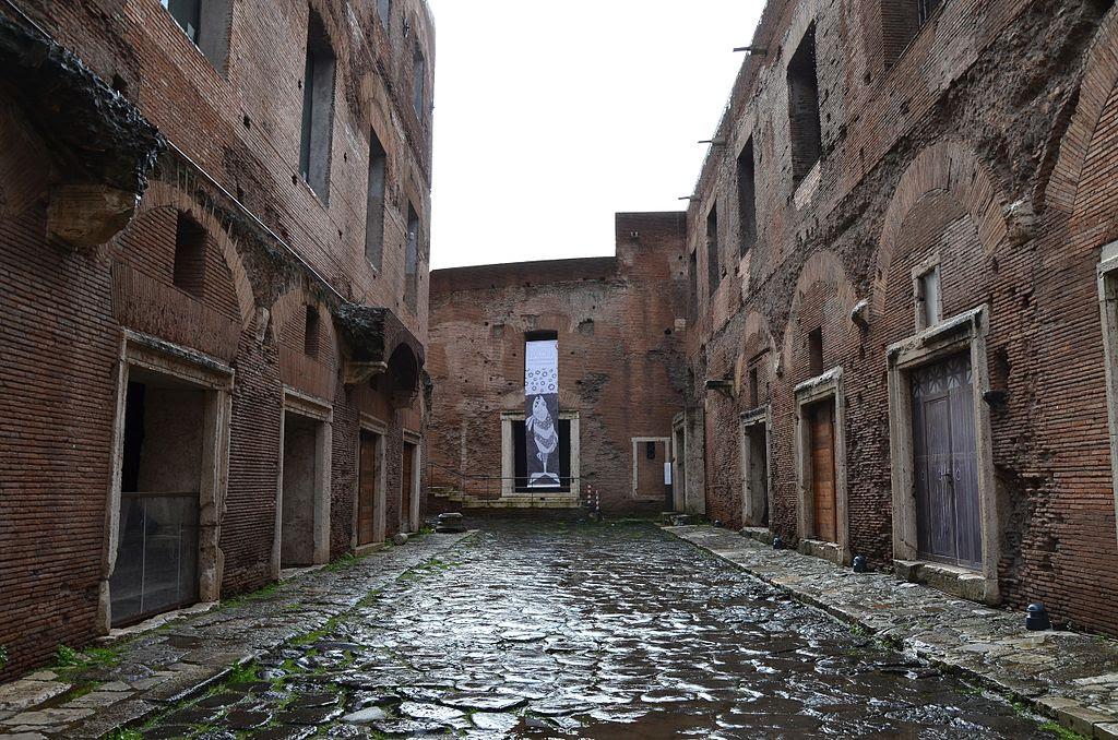 Trajan's Market, Imperial Forums, Rome (14275280914).jpg