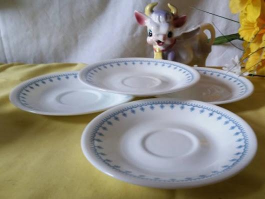 Corelle Set of 4 Blue Snowflake Saucers  Corning Livingware