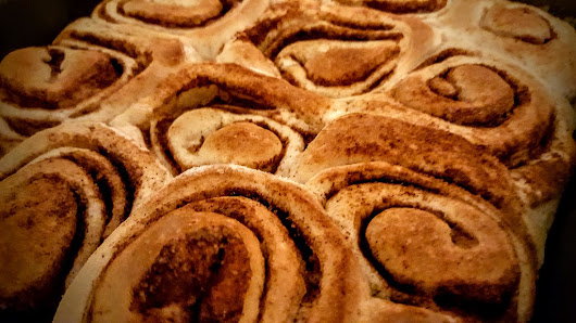Cinnamon rolls in Cookar, a cooking blog