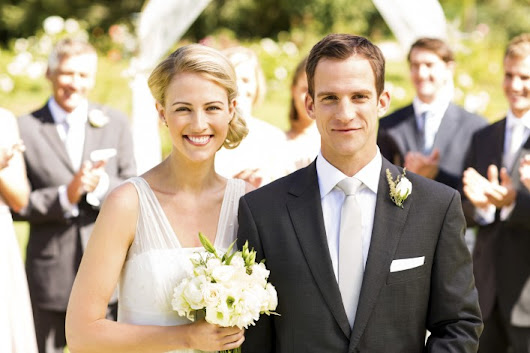 11 Costly Wedding Traditions to Ditch | FirstBank