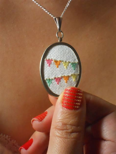 Flag Bunting Necklace to Celebrate Everyday   Cross Stitch