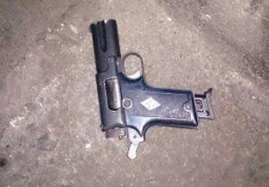 pistola-22-hecho-Avell-1ra-02