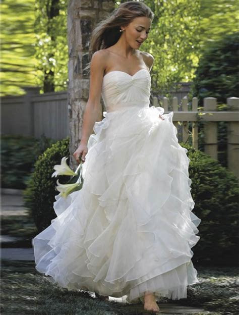 Discount Designer Wedding Dresses, New & Sample Bridal Gowns