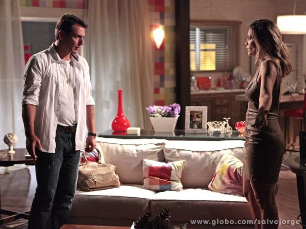 Théo fica confuso com a novidade (Foto: Salve Jorge/TV Globo)