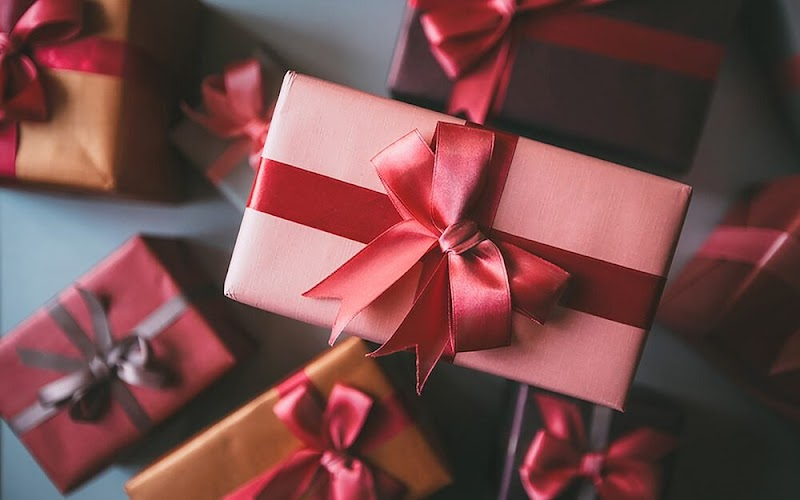 Make The Men Feel Delighted Sending Glorious Gifts
