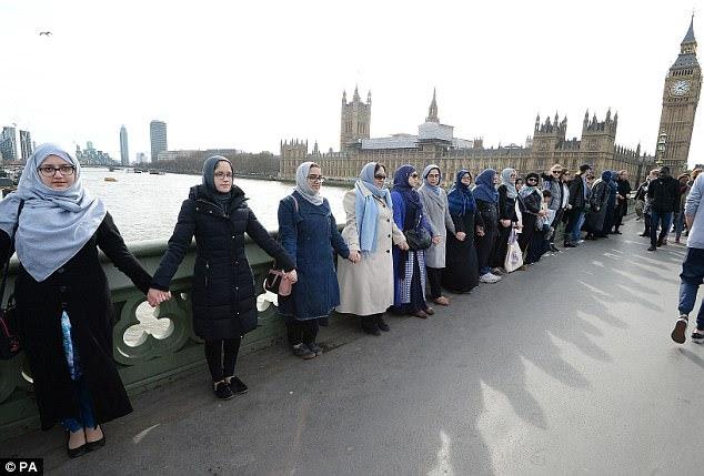 Brenton Tarrant Wallpaper: Muslim Women Dressed In Headscarves Stand Hand-In-Hand On