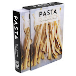 Pasta: The Ultimate Cookbook (Special Slipcased Edition)