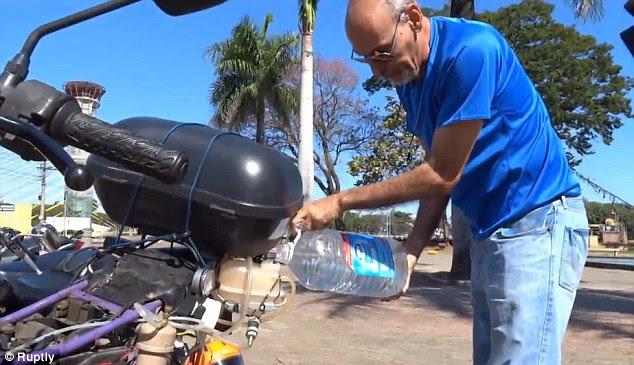 La moto T Puissance H20 'a été créée par un fonctionnaire public basée à Sao Paulo Ricardo Azevedo