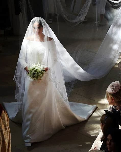 Comparing Meghan Markle and Princess Diana's Wedding