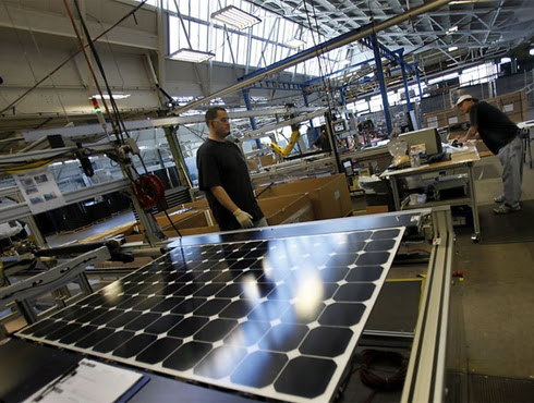 Solar Employs More Workers Than Coal, Oil, and Natural Gas Combined
