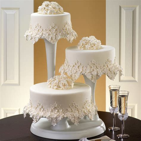 Floral Frost Cake   Wilton