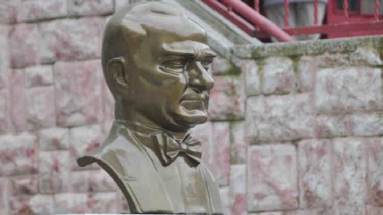 Aihm Atatürk Büstüne Boyaya 13 Yıl Ceza Verilmesini Aşırı Buldu
