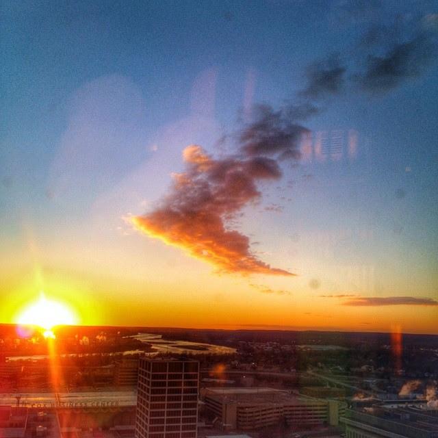 #sunset #oneokplaza #skies #arkansasriver #clouds #best_skyshots #tulsa #oklahoma #igersok