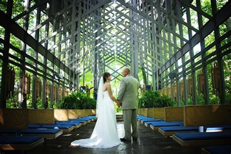 Eureka Springs Thorncrown Chapel   Eureka Springs Weddings