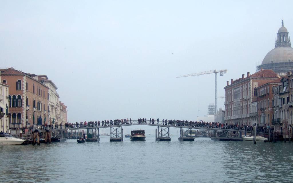 Ponte_della_Salute_2008
