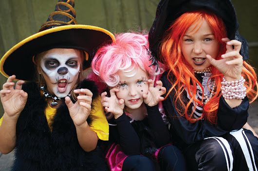Check out these great alternatives to candy for Halloween this year, provided by Brantford Dentist, Steven Deskin