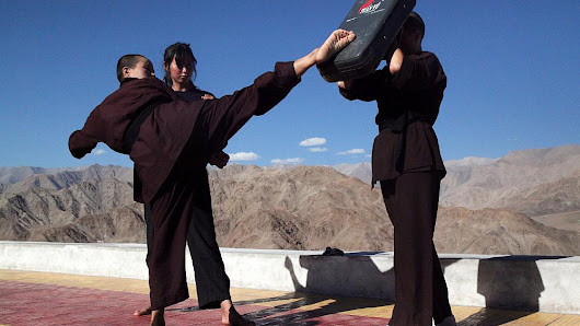 'Kung Fu Nuns' help women defend themselves from rapists | Euronews