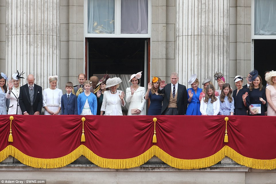 Aktualizacja: Trooping the Colour.