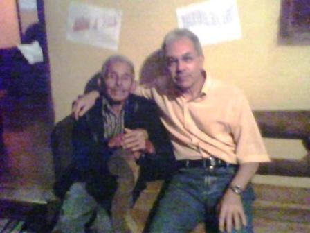 Papai e eu no alpendre de sua casa, na fazenda, em Alagoas no dia 17.01.2014