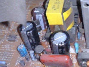 capasitor 100uf/160volt filter tegangan B+ mainboard televisi Philip 29PT5005/69