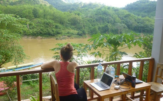 Florida Woman Uses Online Freelance Business to Travel the World