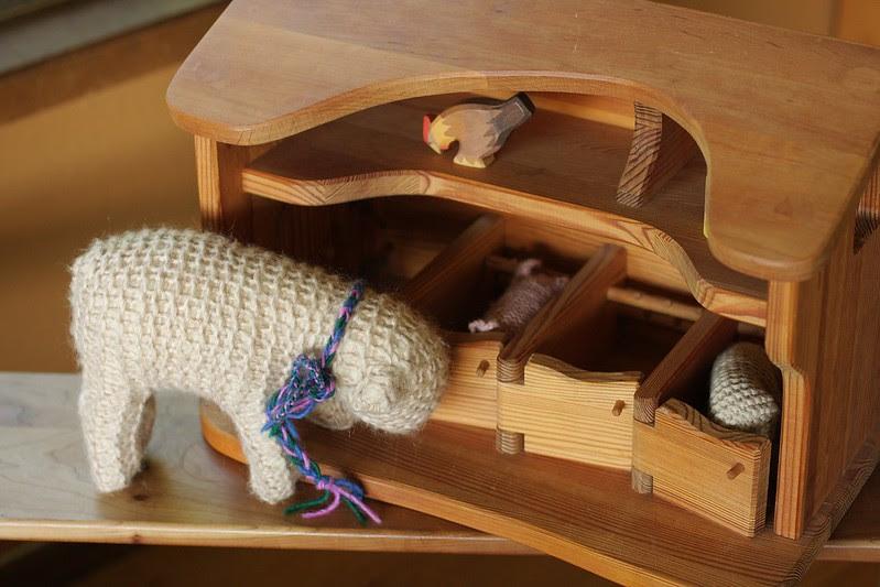 Waldorf 1st grade handwork : K's HUGE lamb