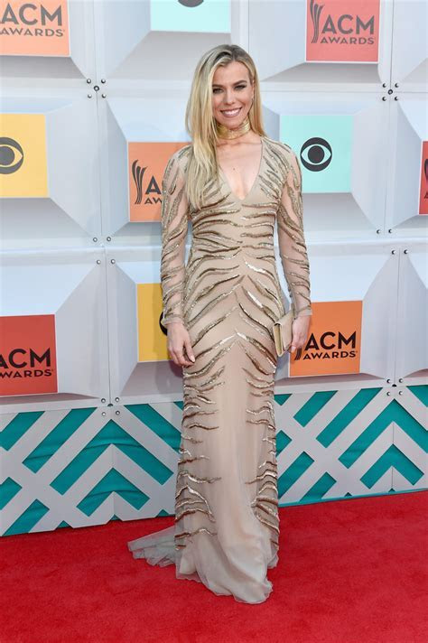 Kimberly Perry   All the Looks from the 2016 Academy of