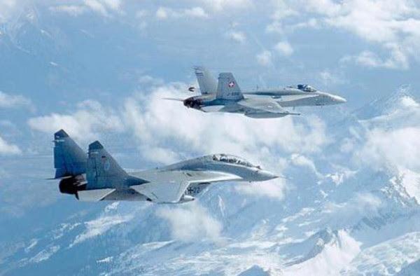 F-18 vs MiG-29