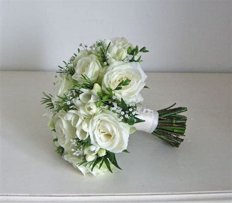 Wedding Flowers Blog: Emma's green and white wedding