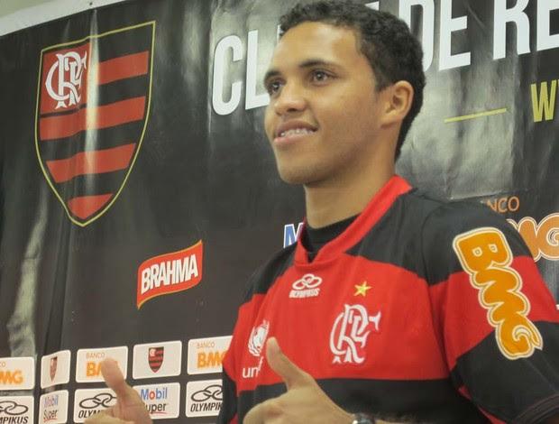 Thiago Medeiros é apresentado no Flamengo (Foto: Janir Junior / globoesporte.com)