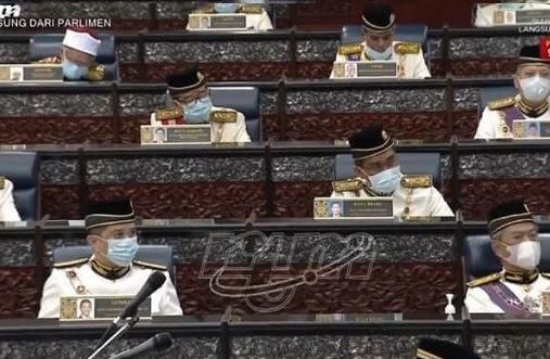 Anwar soal, Azmin bantu Menteri Kewangan jawab?