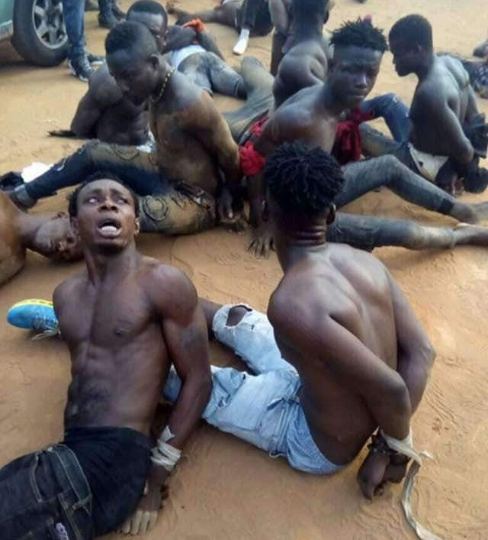 #NigeriaVotes: Young men apprehended while allegedly trying to snatch ballot boxes in Abia.