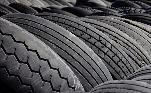7 Easy Ways to Tell if You Need to Buy New Tires » AutoGuide.com News