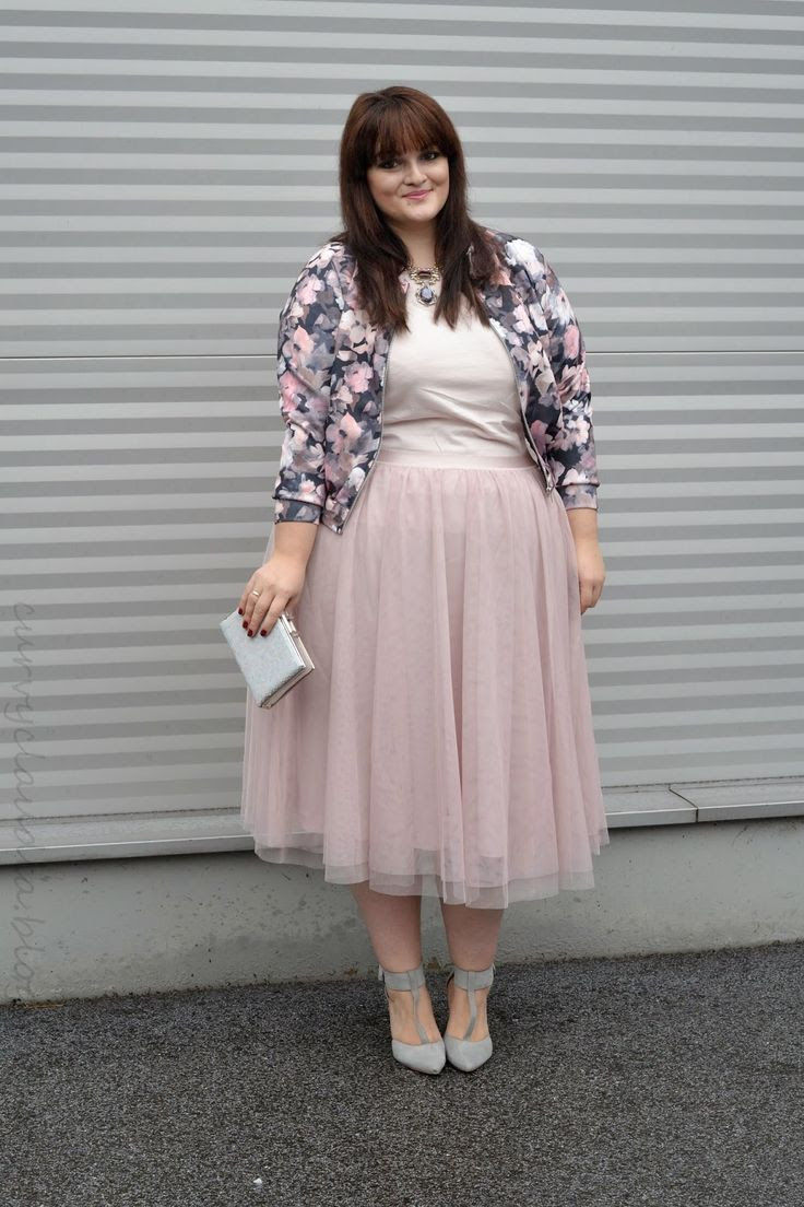 5 plus size skirts for romantic outfits 2