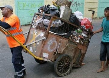 Kisah Imam Tukang Sampah di Jakarta