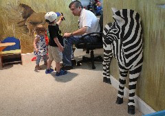 3-D jungle: Pop-out wall treatment transforms child's room   Times