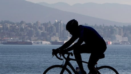 Downtown bike parking, showers on Vancouver city council agenda