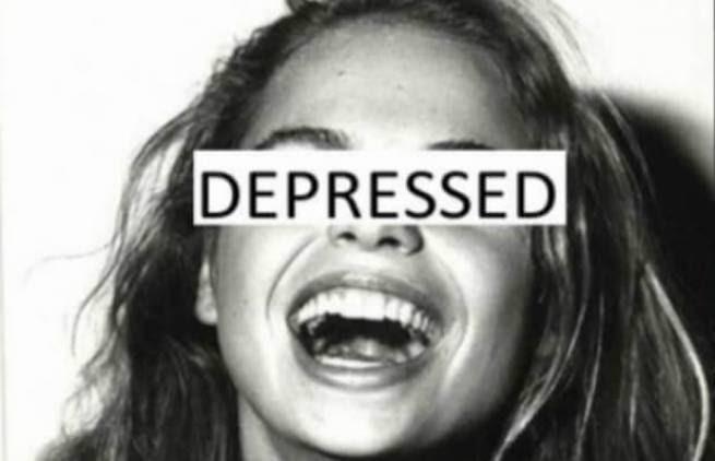 "H ""χαμογελαστή κατάθλιψη"" των social media"