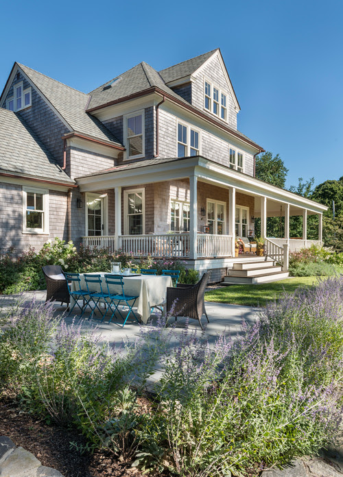 Tour a Harbor Cottage with Coastal Style - Town & Country Living
