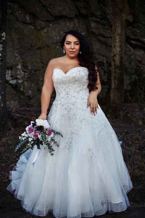 Curvy Collection   Plus Size Wedding Dresses   Svetlana