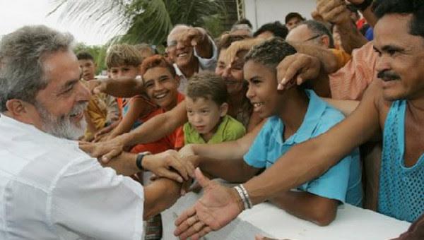 Resultado de imagem para Lula e  o povo