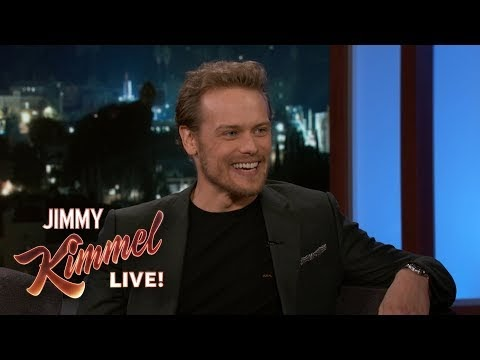 "Sam Heughan en el programa de Jimmy Kimmel, hablando sobre ""The spy who dumped me"""