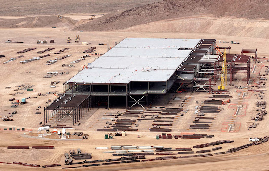 Journalists assault two Tesla employees at Gigafactory • CF Blog