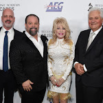 Dolly Parton Signs Publishing Deal With Sony/atv - Music Business Worldwide