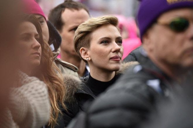 Scarlett Johansson attends the Women's March on Washington on January 21, 2017 in Washington, DC.