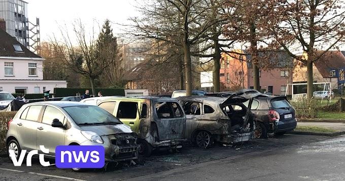 Twee auto's in Gent uitgebrand en twee andere beschadigd