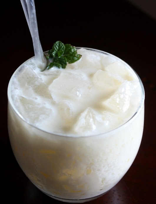 Pineapple Coconut RumChata Cocktail - Daily Appetite