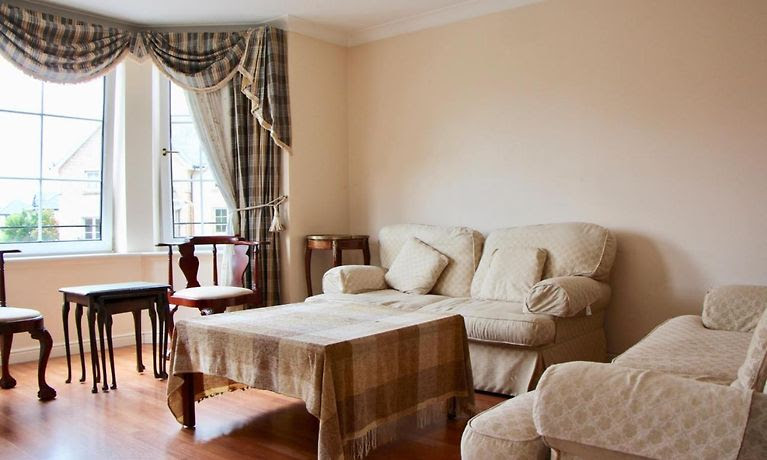 2 BEDROOM FLAT NEAR EDINBURGH CITY CENTRE | アパートオンライン予約