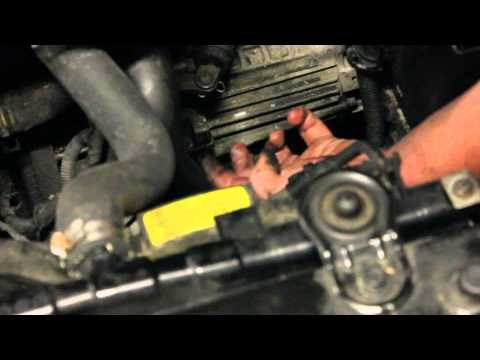 hyundai repair how to check your manual transmission fluid in your 01 06 hyundai elantra video. Black Bedroom Furniture Sets. Home Design Ideas